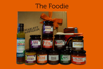 A hamper box for Foodies